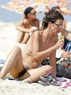 Candid Nude Beach Pics