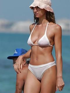 Paparazzi Photos Hot Bikini Pics
